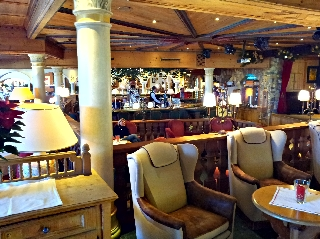 Hotel-bar HDR Sample Photo Picture with HDR Android App Camera+ on a Samsung Galaxy S II (S2)