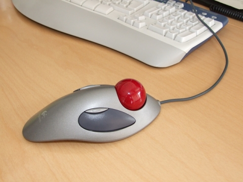 Repetitive Strain Injury Solution Nr.4 - exchanged usual computer mouse against a trackball to heal carpal-tunnel-syndrome