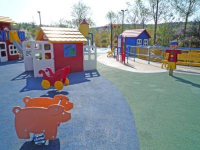 legoland-park-h2-kleine-kinder-babyspielplatz-alles-weich-haeuschen