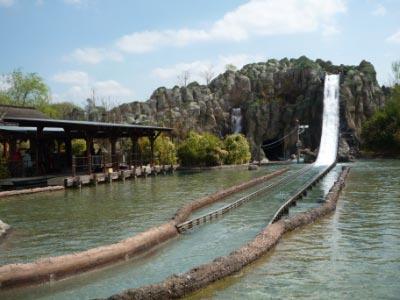 legoland-park-k2-jungs-wildwasser-nass