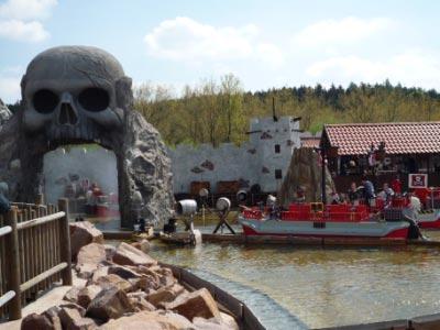 legoland-park-k6-jungs-piraten-wasserschlacht-nass