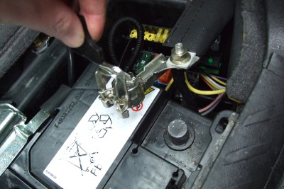 Eurovan2-Blinker-Gluehbirne-Indicator-Batterie-Abhaengen-Plug-Off